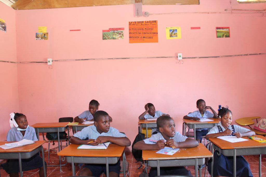 Des enfants haïtiens à l'école